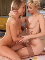goldie and lenna - luscious blondes eat out pussies