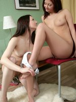 ida and melaine - teen temptresses - teen orgasms with her lesbian lover