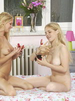 watch a three fingered vibrator working up teens juices